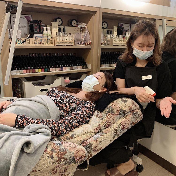 懷孕接睫毛-施作前雙手酒精消毒|台北市中山站 IA專業美睫設計