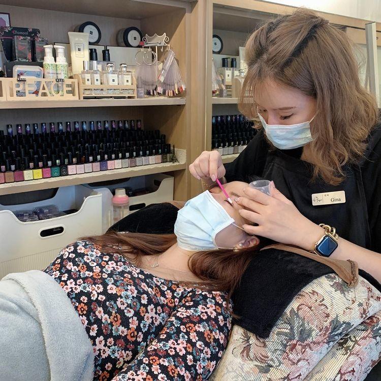 懷孕接睫毛-嫁接前卸除睫毛、清洗眼周|台北市中山站 IA專業美睫設計